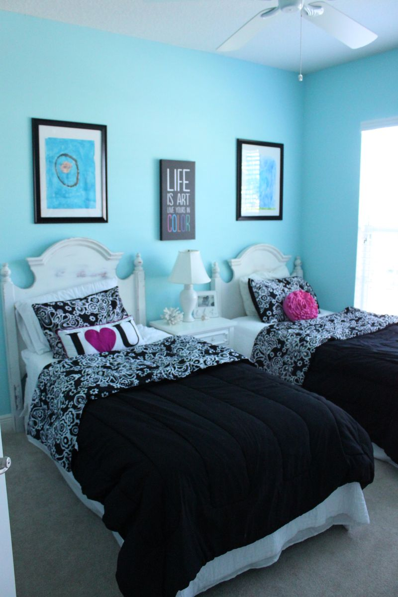 Hannah Chose A Turquoise Blue For The Walls Her Bedding Is Black And White  With Accents Of Pink And Other Bright Colors